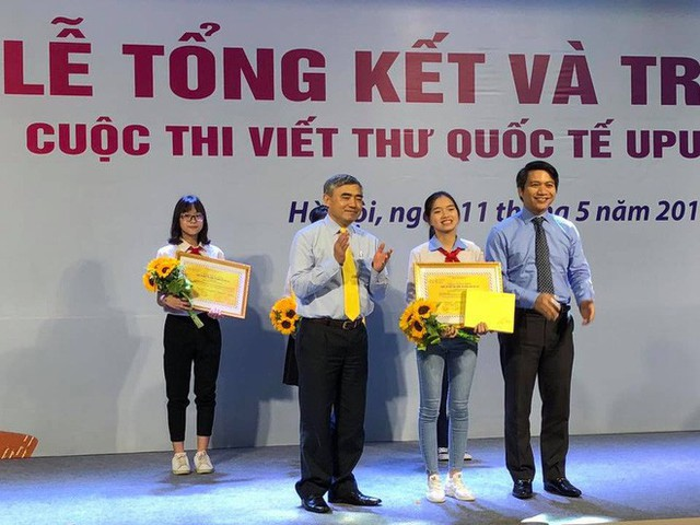 Answer the question Santa Claus is real, the Hai Duong women won the 3rd prize in the UPU International Letter Writing Competition - Monday 1.