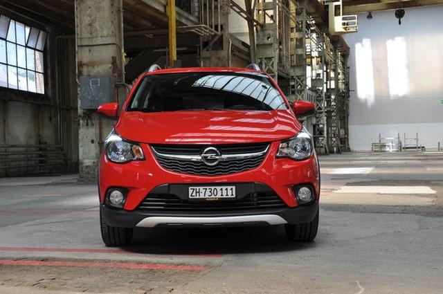 Đoán sở hữu trên xe nhỏ giá rẻ VinFast Fadil khi nhìn từ cặp xe song sinh Chevrolet Spark, Opel Karl - Ảnh 3.