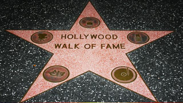 Làm sao để được vinh danh trên Đại lộ Danh vọng Hollywood? không phải cứ nổi tiếng là được in sao! - Ảnh 2.