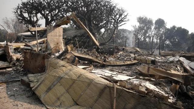 Nhiều sao Hollywood sốc nặng vì biệt thự triệu đô tan hoang sau khi đám cháy khủng khiếp quét qua bang California - Ảnh 6.