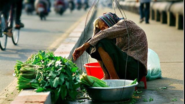 Tờ báo kinh tế hàng đầu thế giới bày tỏ lo ngại Việt Nam chưa giàu đã già - Ảnh 3.