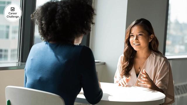 Xây dựng mối quan hệ với bất cứ ai trong 15 ngày - Ngày thứ ba: Dùng nhiều thiết bị điện tử sẽ khiến mối quan hệ giảm niềm tin và khó cảm thấy gần gũi - Ảnh 1.