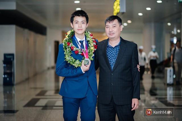 Nam sinh 2002 đẹp trai như nam thần, giành HCB Olympic Thiên văn học Quốc tế: Mê chơi LOL, đang tập gym để có 6 múi - Ảnh 13.