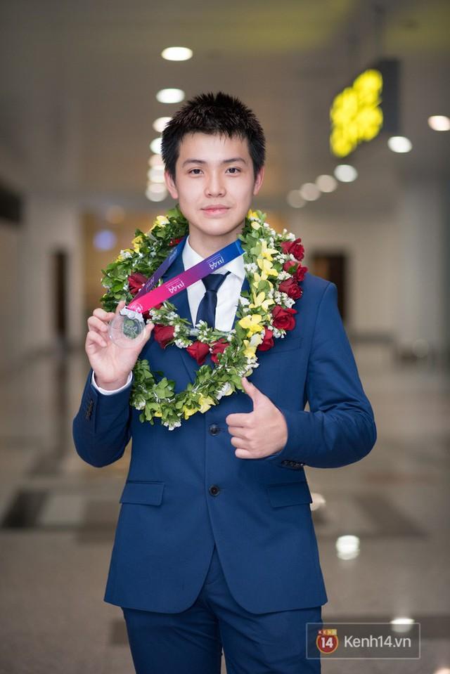Nam sinh 2002 đẹp trai như nam thần, giành HCB Olympic Thiên văn học Quốc tế: Mê chơi LOL, đang tập gym để có 6 múi - Ảnh 10.