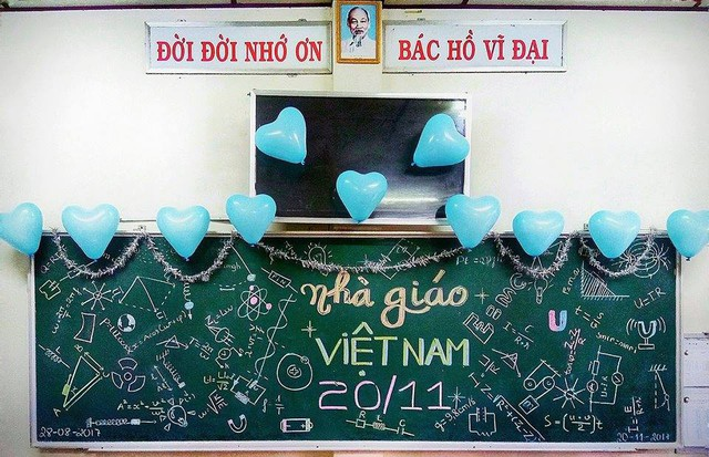 Không lẫn đi đâu được với những màn trang trí bảng 20/11 theo đúng môn dạy của GVCN - Ảnh 2.