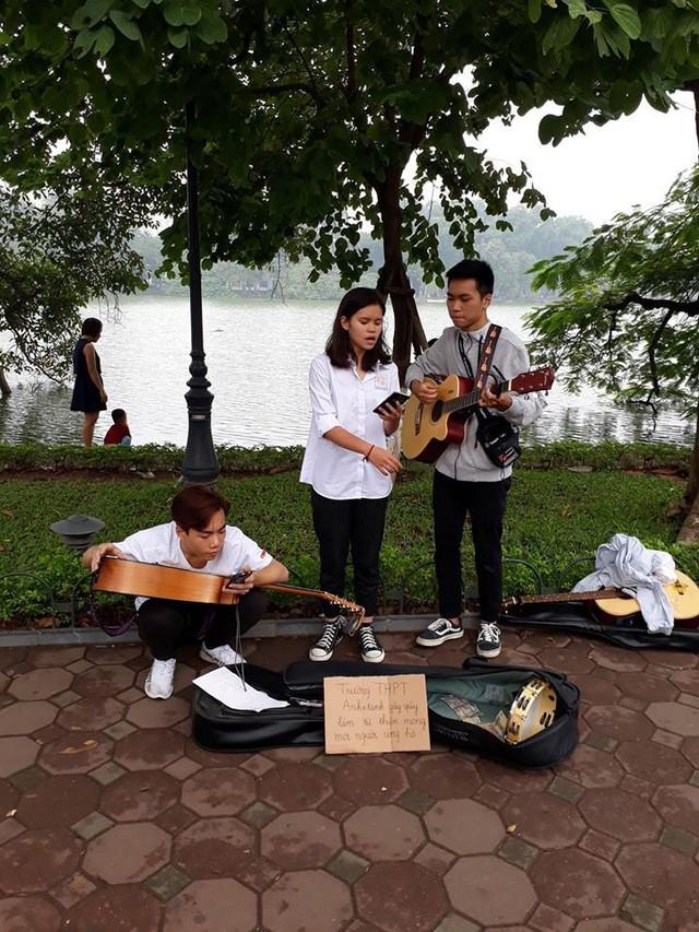 Thầy Hiệu trưởng ở Hà Nội kêu gọi hãy tặng chúng tôi nhiều phong bì ngày 20/11 và câu chuyện ý nghĩa sau đó - Ảnh 3.