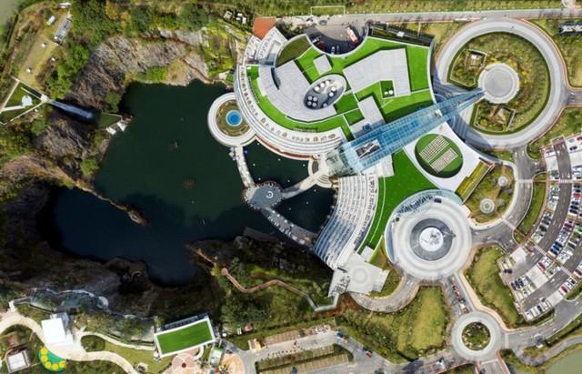 """Kinh ngạc khách sạn ngầm """"chọc đất"""" Thứ nhất địa cầu ở Trung Quốc - Ảnh 3."""