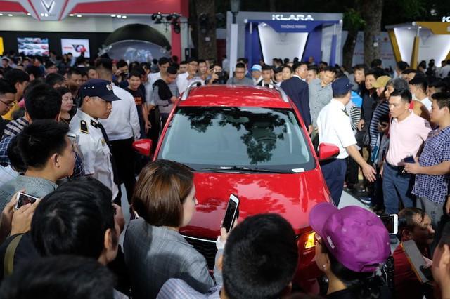 """VinFast mở phân phối xế hộp và phân phối xe máy: Người Việt không ngại """"xuống tiền"""" - Ảnh 2."""
