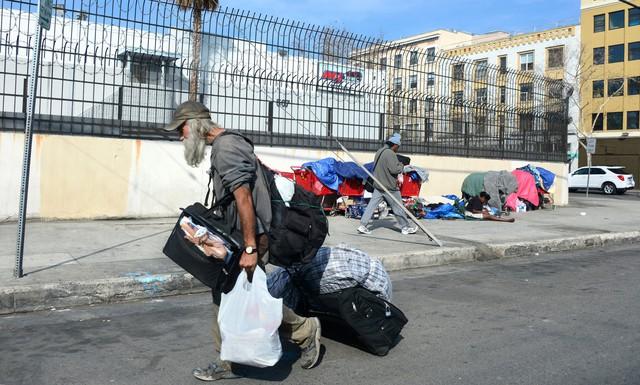 Những người vô gia cư dưới thời Nước Mỹ tuyệt vời của Tổng thống Trump - Ảnh 3.
