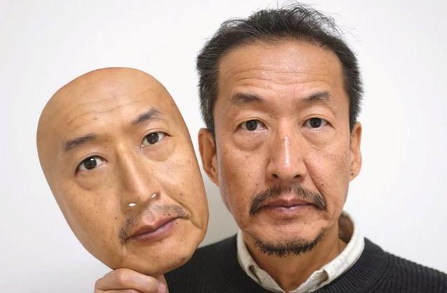 Công ty Nhật Bản này đang thường ngày tạo ra những chiếc mặt nạ 3D chân thật đến đáng sợ - Ảnh 1.