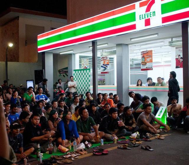 7-Eleven tại Indonesia - thất bại muối mặt của chuỗi cửa hàng tiện lợi đình đám và bài học xương máu: Chỉ nổi tiếng thôi là chưa đủ - Ảnh 3.
