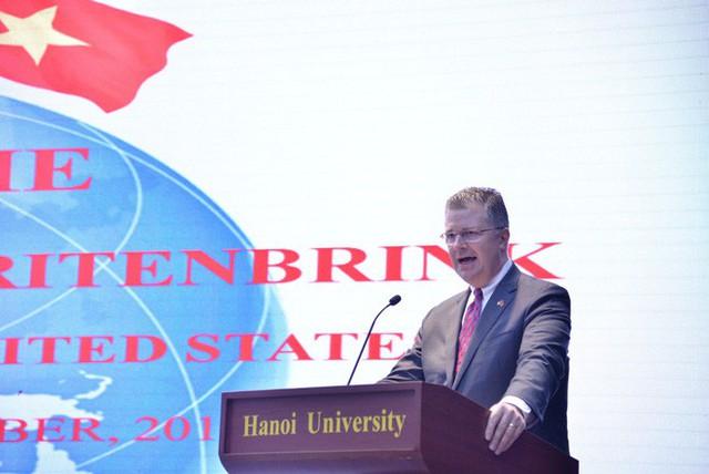 Đại sứ Daniel Kritenbrink: Mỹ đang đầu tư vào sự thành công của Việt Nam - Ảnh 2.