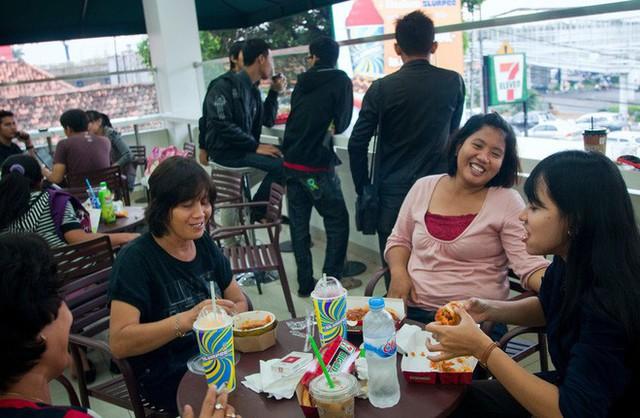 7-Eleven tại Indonesia - thất bại muối mặt của chuỗi cửa hàng tiện lợi đình đám và bài học xương máu: Chỉ nổi tiếng thôi là chưa đủ - Ảnh 4.