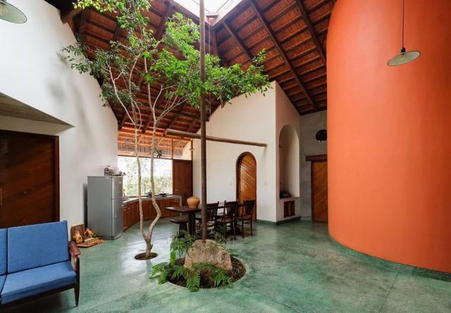 Ngôi nhà ngói ấm cúng như ngôi nhà nhỏ trên thảo nguyên của cặp vợ chồng giáo viên ở Lâm Đồng - Ảnh 4.