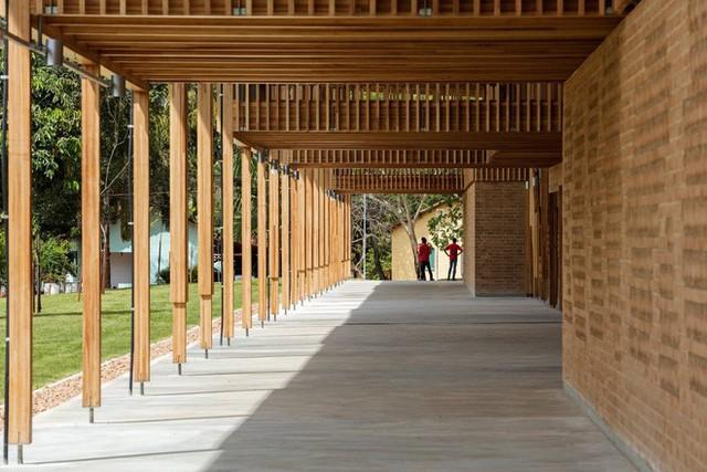 Ngôi trường làm từ gỗ và gạch bùn trong rừng nhiệt đới Brazil giành giải kiến trúc xuất sắc nhất thế giới 2018 - Ảnh 5.