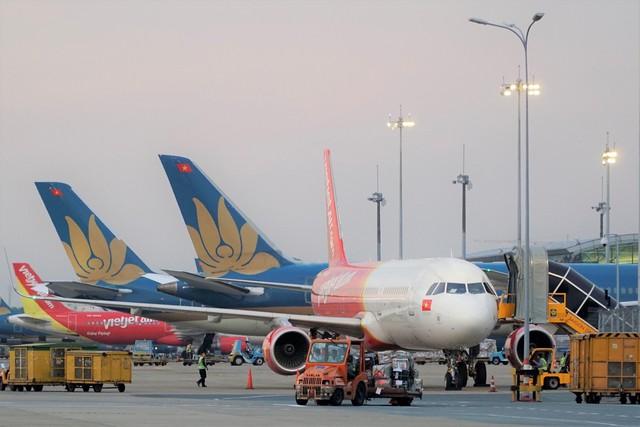 Giá dầu giảm và lợi nhuận của một vài hãng hàng không - Ảnh 2.