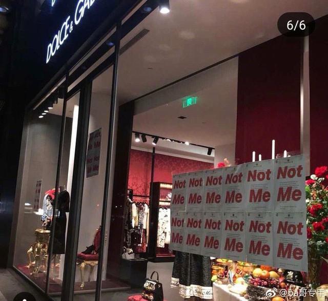 """Dolce & Gabbana bị tẩy chay tại Trung Quốc, các shop Taobao thi nhau bán hàng """"mỉa mai"""" NTK của hãng - Ảnh 13."""