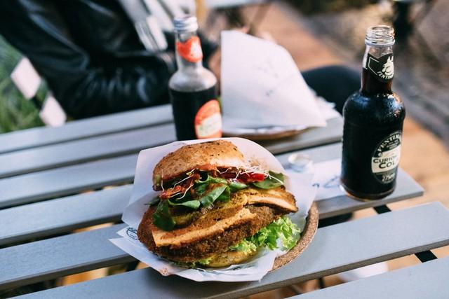 Tại sao người dân ở các quốc gia giàu có đang ngày càng ăn nhiều thức ăn chay hơn? - Ảnh 1.