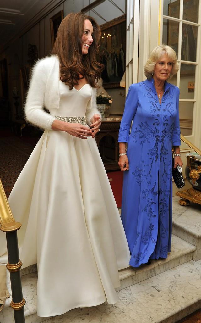 Bí mật động trời trong đám cưới William - Kate: Kate trái lệnh Hoàng gia để làm điều này nhưng lý do đằng sau lại quá đỗi ngọt ngào - Ảnh 5.
