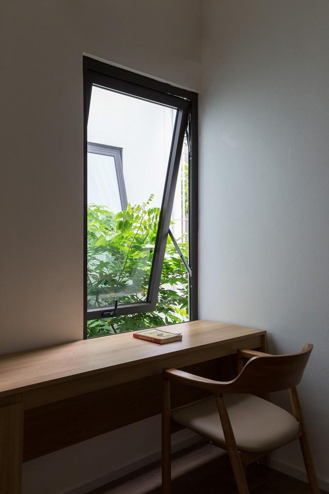 Xây từ miếng đất nhiều nhược điểm, ngôi nhà 85m² ở Hà Nội này vẫn được trầm trồ khen vừa đẹp, vừa xanh - Ảnh 13.