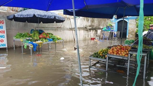 """Giá thực phẩm tại HCM """"nhảy vọt"""" sau bão số 9  - Ảnh 4."""