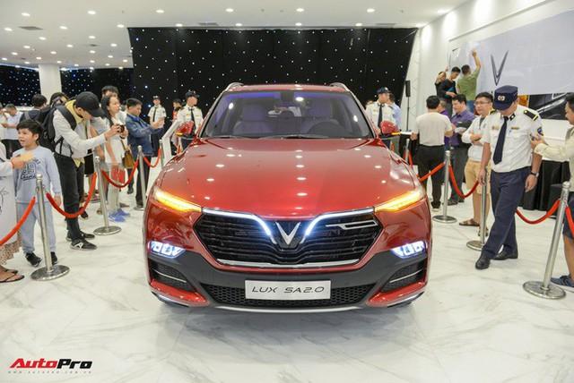 """Khách Việt mất thêm 300 triệu nếu mua mẫu sedan, SUV VinFast """"full option"""" - Ảnh 5."""