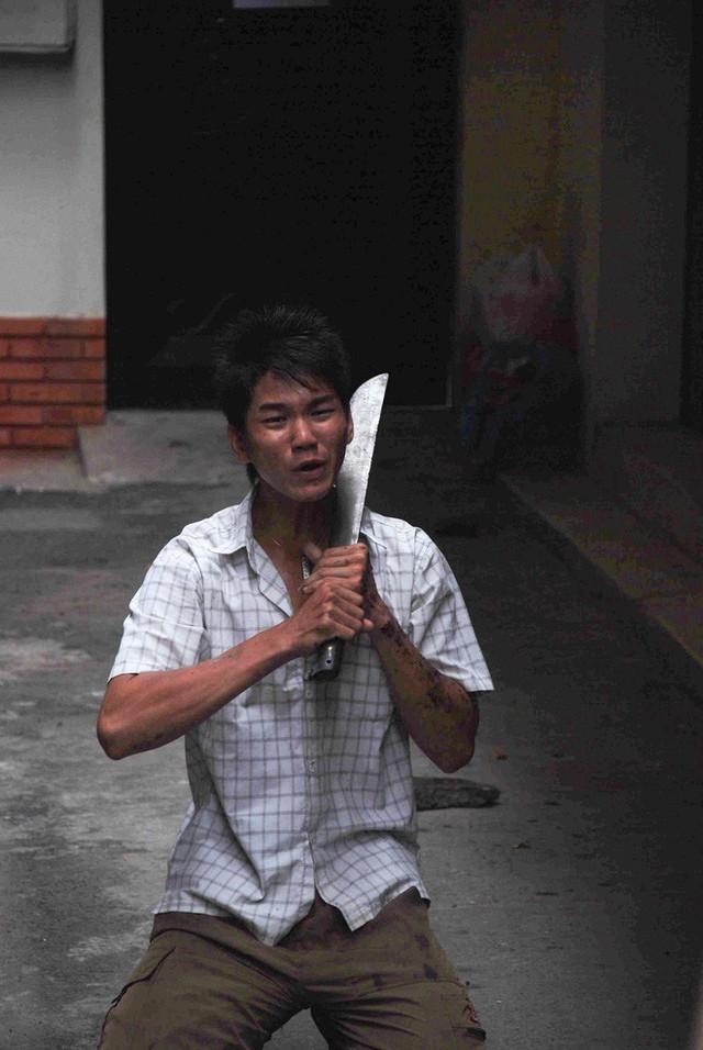 Tác giả bộ ảnh CSGT bắt cướp ở Sài Gòn 11 năm trước: Thật kì diệu vì họ có thể thuyết phục tên cướp buông kiếm đầu hàng - Ảnh 11.