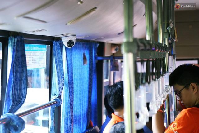 26 xe buýt ở Sài Gòn được lắp nhiều camera, loa cảnh báo để ngăn chặn quấy rối tình dục - Ảnh 4.
