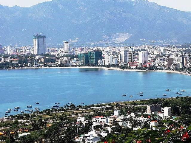 Nha Trang đề nghị tạm dừng xây khách sạn cao tầng - Ảnh 1.