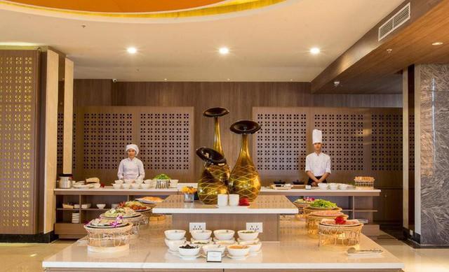 Cận cảnh khách sạn 5 sao Xuân Trường và các đồng đội sẽ ở tại Lào - Ảnh 6.