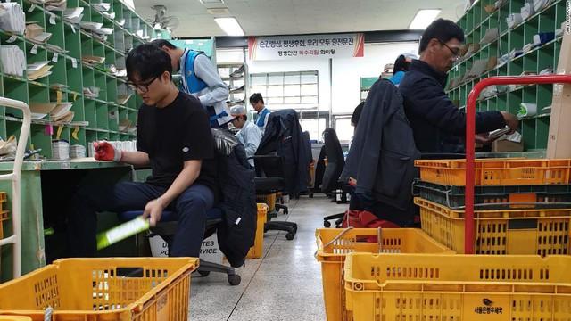 Chuyện về cả một thế hệ những người Hàn Quốc làm việc đến chết và câu hỏi muôn thủa: Sống để làm việc hay làm việc để sống? - Ảnh 3.