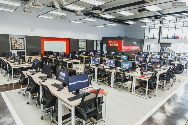 Ngôi trường đầu tiên ở Việt Nam không có giáo viên, học sinh vừa học vừa chơi game, tốt nghiệp được đảm bảo lương 1200 USD/tháng - Ảnh 2.
