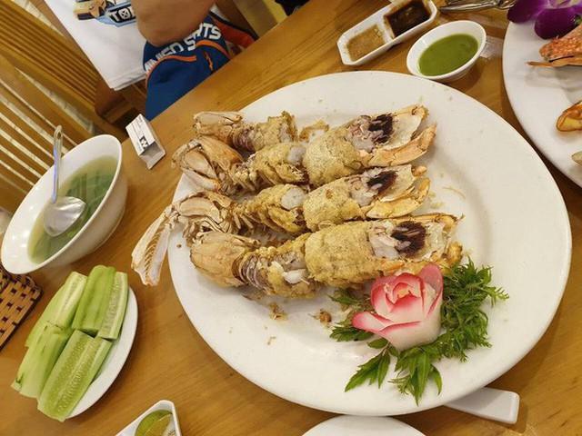 Vui chân sa vào nhà hàng hải sản, vợ chồng Hà Nội chóng mặt đọc hóa đơn hết nửa tháng lương, 3 triệu/4 con bề bề - Ảnh 3.