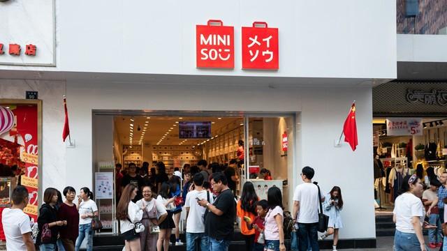 Vào Miniso cứ ngỡ mua đồ chuẩn Nhật, vào Tous Les Jours cứ ngỡ ăn phân phốih ngọt chuẩn Pháp - Mô hình kinh doanh 'sao chép văn hóa' đang xâm chiếm địa cầu như thế nào? - Ảnh 1.