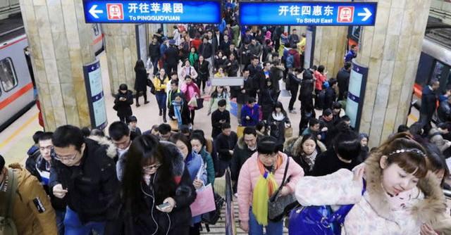"""Kinh tế Trung Quốc đối diện rắc rối mới: Người tiêu dùng ngày một """"keo kiệt"""" - Ảnh 1."""