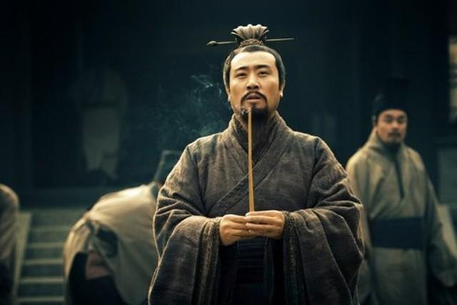 Thay chủ như thay áo, tại sao Lưu Bị vẫn được các chư hầu đua nhau săn đón? - Ảnh 4.