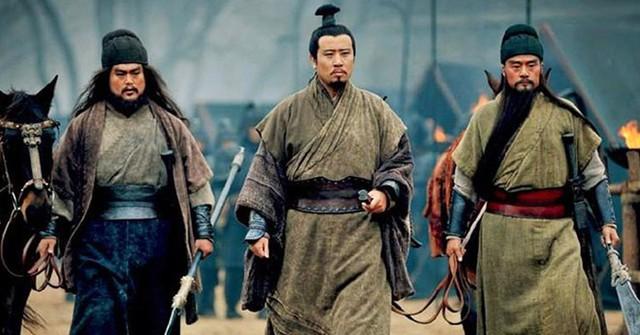 Thay chủ như thay áo, tại sao Lưu Bị vẫn được các chư hầu đua nhau săn đón? - Ảnh 5.