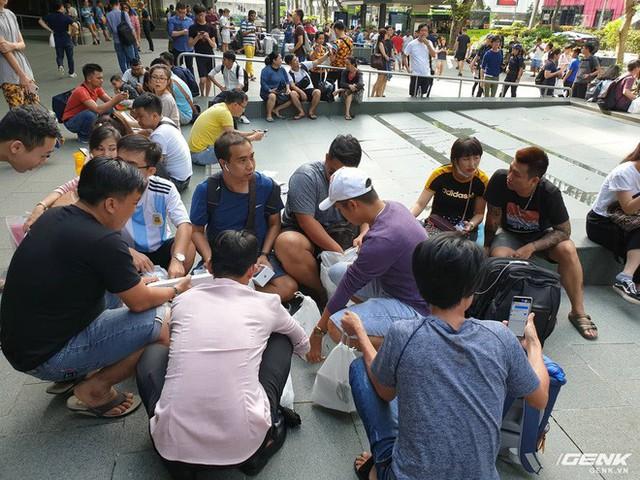 Thái Lan đã có Apple Store, thế nhưng tại sao Singapore vẫn là điểm đến lý tưởng cho con buôn Việt Nam? - Ảnh 2.