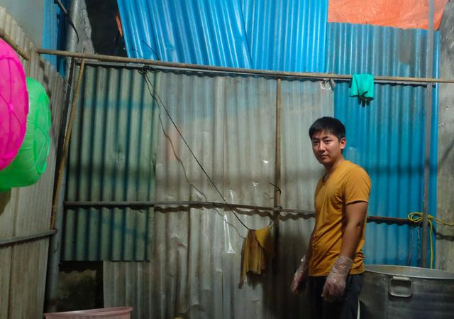 Cuộc sống của vợ chồng anh bán xôi ở Hà Nội đảo lộn vì bị hiểu lầm kiếm được 100 triệu/ tháng - Ảnh 4.