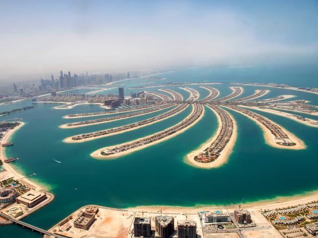 Khu chợ không có gì ngoài điều kiện ở Dubai: Trưng bày chiếc nhẫn vàng lớn nhất địa cầu nặng 64kg trị giá 3 triệu USD để du khách tha hồ selfie - Ảnh 1.