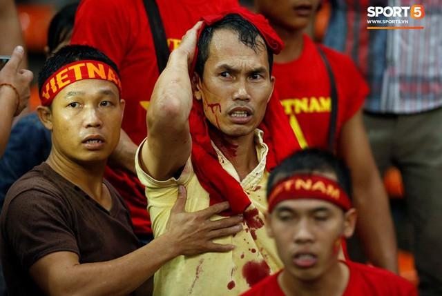 Đại sứ quán Việt Nam yêu cầu Malaysia đảm bảo an toàn cho CĐV Việt Nam sang cổ vũ chung kết AFF Cup 2018 - Ảnh 2.