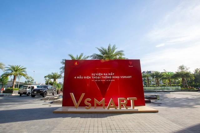 Điện thoại Vsmart ra mắt: Lộ sân khấu hoành tráng trước giờ G - Ảnh 1.