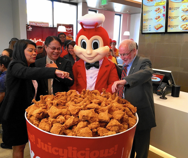 Câu chuyện về Jollibee - thủ phạm khiến đế chế McDonalds mất 40 năm vẫn chẳng thể đứng số 1 ở Philippines - Ảnh 3.
