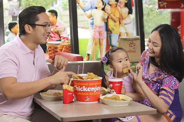 Câu chuyện về Jollibee - thủ phạm khiến đế chế McDonalds mất 40 năm vẫn chẳng thể đứng số 1 ở Philippines - Ảnh 4.