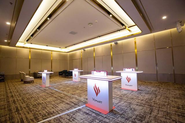 Điện thoại Vsmart ra mắt: Lộ sân khấu hoành tráng trước giờ G - Ảnh 4.