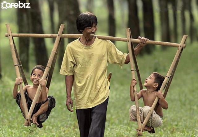 Nghề nghiệp phân chia sang hèn: Bài học lớn của chàng trai khi biết cha bạn gái là công nhân nghèo - Ảnh 1.