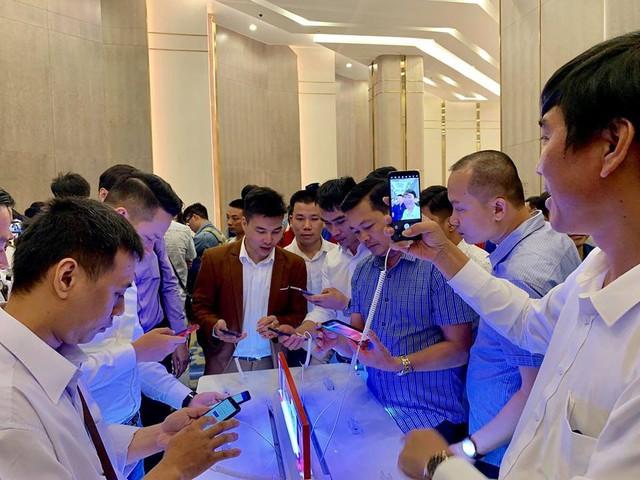 Chuyên gia công nghệ Việt nói về Vsmart: Chưa đột phá nhưng tin tưởng thành công - Ảnh 1.