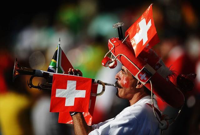 Đây là lý do tỷ lệ sở hữu súng ở Thụy Sĩ cực cao nhưng không có các vụ xả súng như Mỹ - Ảnh 6.