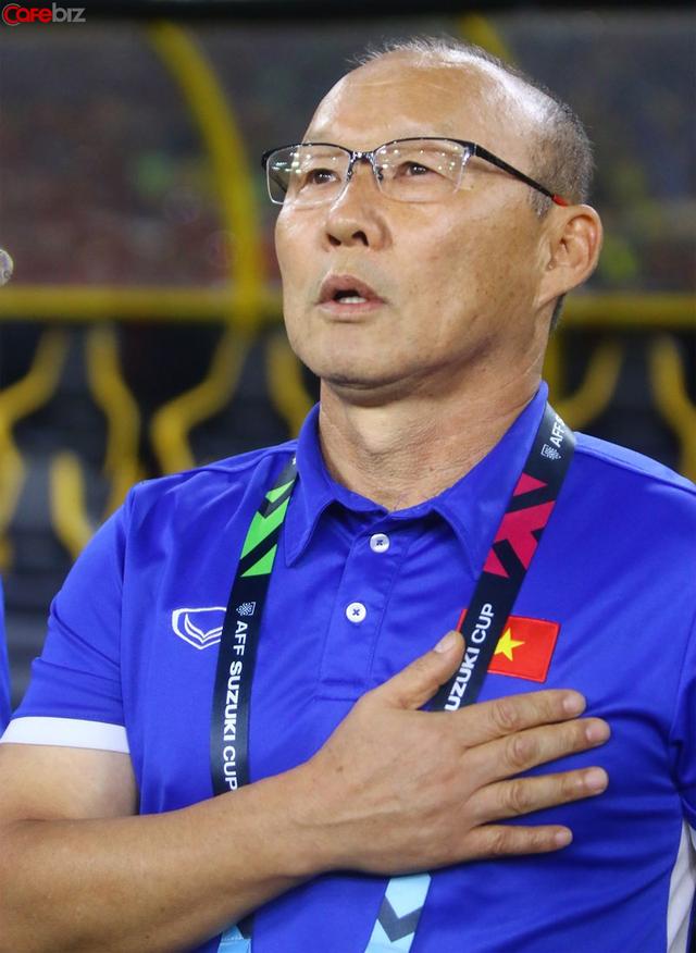 Ngài huấn luyện viên ngủ gật Park Hang Seo - vị tướng tài của bóng đá Việt Nam: Với tôi, ông còn là một bậc thầy đỉnh cao về quản trị - Ảnh 2.