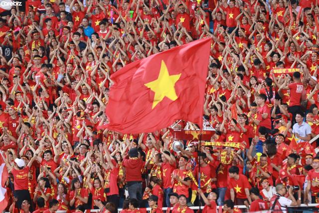 Cám ơn bầu Đức, cám ơn thầy Park, cám ơn đội tuyển quốc gia: Người Việt Nam có tố chất và trí tuệ không kém bất cứ quốc gia nào, chúng ta có quyền tự hào về những điều đó! - Ảnh 2.